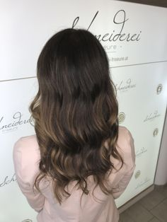 Balayage with curls Curls, Hair Cuts, Long Hair Styles, Mom, Beauty, Shaving Machine, Barbershop, Hairdressers, Dressmaking