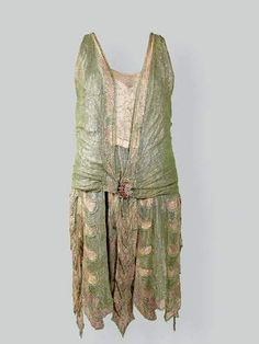 ... flirting with disheveled... but far too decadent to care...  Callot Soeurs dress, ca 1925
