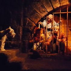 """The Pirates of the Caribbean has 128 audio-animatronics in it — 75 are pirates and villagers, and 53 are animals.   25 Disneyland Facts That Will Make You Say, """"Wow, I Did Not Know That"""""""