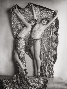 Chorus girls in the revue 'Wien lacht wieder' by Karl Farkas & Fritz Gruenbaum, Stadttheater, Vienna, 1929