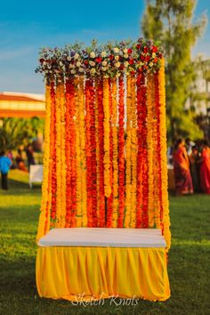 Looking for latest Outdoor Wedding Decorations? Check out the trending images of the best Indian Outdoor Wedding Decoration ideas. Desi Wedding Decor, Wedding Backdrop Design, Indian Wedding Favors, Wedding Stage Design, Wedding Hall Decorations, Marriage Decoration, Wedding Mandap, Wedding Wall, Backdrop Decorations