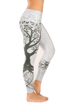 Tree of Life Yoga Pants. I so want these!!!