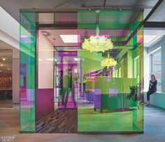Steelcase by Shimoda Design Group: 2018 Best of Year Winner for Showroom Project Funky Furniture, Plywood Furniture, Furniture Design, Shop Facade, Glass Design, Design Design, Design Museum, Architect Design, Office Interiors