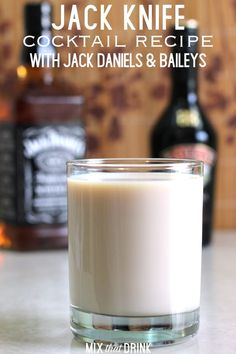 Jack Knife drink recipe, featuring Jack Daniels and Bailey's Irish Cream. mixtha… Jack Knife drink recipe, featuring Jack Daniels and Baileys Drinks, Baileys Recipes, Bourbon Drinks, Bar Drinks, Cocktail Drinks, Yummy Drinks, Cocktail Recipes, Alcoholic Drinks, Beverages