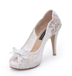 Professional Photography VIVACE67 #weddingshoes #Bridalshoes @BRIDE AND YOU #snap
