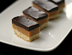 millionaire's bars (salted caramel chocolate shortbread bars)