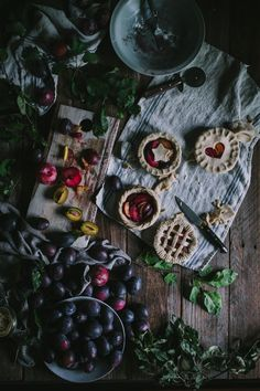 A delicious plum and pluot pie for one! Made with some beautiful plums from my parents house as well as some local pluots! Slow Cooker Desserts, Food Photography Styling, Food Styling, Product Photography, Fun Desserts, Dessert Recipes, Pie Dessert, Chocolate Art, Mini Pies
