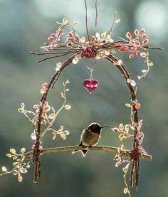 Decoração pássaros com galhos de árvores
