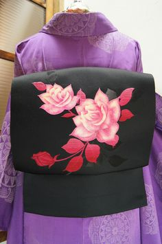 Roses on kimono appeared in the 20th century