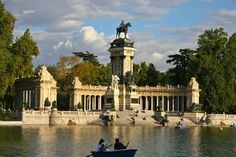 There's no better way to spend an afternoon than relaxing in Retiro.