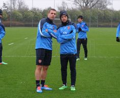 Podolski & Oxlade-Chamberlain in Training Before Match vs Manchester United 2013-2014.