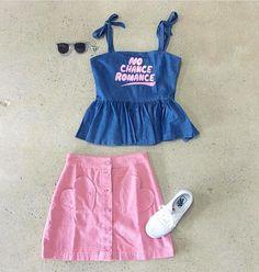 Top y falda de @lazyoafs colección Fall 2016 💕 y zapatillas Authentic Vans en blancas siempre son un complemento perfecto para tu outfit 🌟  Encuentra todo esto en nuestra boutique Cupcakes 😊 Calle 65 San Francisco más info 203-2695 📞  #Panama #PTY #Cute #cool #cupcakes #cupcakesgirls #top #skirt #lazyoaf #vans #white #vanswhite #authentic #fall2016 #unique #design #clothing #women