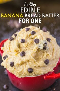 The taste and texture of actual banana bread batter but one which is egg-free, edible and actually healthy for you! This delicious healthy Edible Banana bread batter recipe is for one and takes les… Paleo Dessert, Healthy Desserts, Dessert Recipes, Protein Desserts, Diabetic Snacks, Mini Desserts, Edible Cookies, Edible Cookie Dough, Sin Gluten