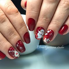 Cutest Christmas Nail Art DIY Ideas Christmas nails are that necessary component of your good vacation look. that's why we have a tendency to are suggesting to your attention this recent Christmas nail art. Christmas Nail Art Designs, Holiday Nail Art, Winter Nail Designs, Christmas Design, Cute Christmas Nails, Xmas Nails, Christmas Glitter, Cute Nails, Pretty Nails