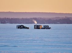 Ice fishing on Lake Nipissing, North Bay, Ontario (by Jim Middleton) Fishing Photography, Weather Network, Fishing Techniques, Fishing Guide, Gone Fishing, Great Shots, Geology, Ontario, Underwater