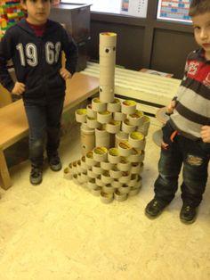 Robots bouwen met kartonnen kokers en rolletjes