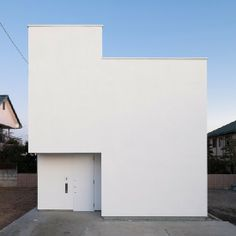 House in Utsunomiya2 by Soeda. Reminds me of a tetris piece.