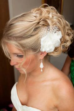Beautiful wedding hair!