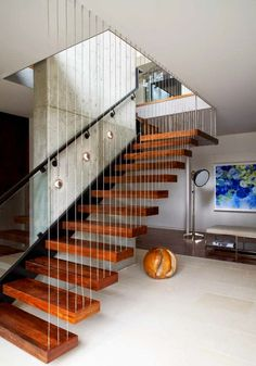 Modern Staircase Design Ideas - Modern stairs are available in several styles and designs that can be genuine eye-catcher in the various area. We have actually assembled ideal 10 modern models of stairways that can provide. New Staircase, Staircase Design, Modern Interior Design, Home Design, Design Ideas, Escalier Design, Halls, Structural Insulated Panels, Modern Stairs