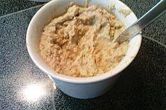 Lecker: Thunfisch-Dip  Ich würde übrigens fettarmen Frischkäse nehmen und frische Kräuter zufügen.