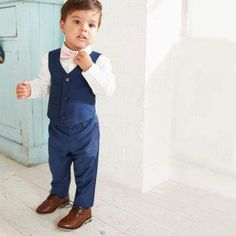 Four piece set Woven fabric Long sleeve shirt Button-up front Pink polka dot bow tie Vest V neck Three button fastening Suit pants Side slip pockets Back welt pockets boy Mini boys navy shirt and trousers suit set Boys Navy Suit, Navy Blue Suit, Boys Suits, Wedding Outfit For Boys, Wedding With Kids, Wedding Ideas, Ring Bearer Suit, Navy Rings, Ring Boy
