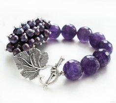 Jewelry of natural stones: Bracelet of amethyst and dark pearl Jewelry Crafts, Jewelry Art, Beaded Jewelry, Jewelry Design, Handmade Bracelets, Bangle Bracelets, Handmade Jewelry, Handmade Beads, Purple Jewelry