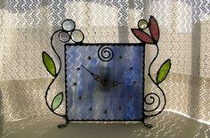 時計-アラベスク-NO.27掛け置き両用のハンドメイドの時計です。窓辺に飾ったり、壁に掛けたり、いかがですか。ひとつひとつ手作りです。ガラスをカットして磨いて...|ハンドメイド、手作り、手仕事品の通販・販売・購入ならCreema。