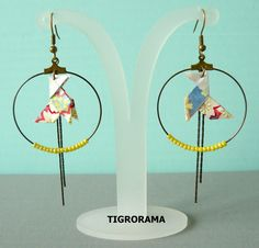 boucles d'oreille créole origami cocotte, perles jaunes et pendants de la boutique TIGRORAMA sur Etsy