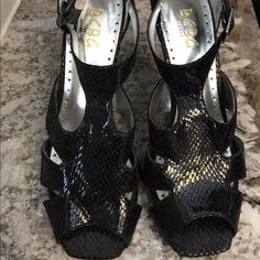 FLASH SALE🎉LIKE🆕 BCBG Snakeskin Stilettos HOT stilettos look great with pants, shorts, and dresses! Only worn a few times- excellent condition! BCBG Shoes