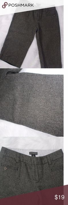 BANANA REPUBLIC Herringbone Wool Blend Zig Zag Cro BANANA REPUBLIC Herringbone Wool Blend Zig Zag Crop Pant Sz 4 B4 Preppy Career Waist 15 Inches Inseam 18 Inches 64% Wool 36% Rayon Banana Republic Shorts Bermudas