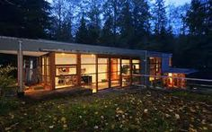 Mansion dream house: Twilight House of Edward Cullen in Portland, Oregon Cullen House Twilight, Twilight New Moon, Twilight Saga, Glass House Design, Mansions Homes, Celebrity Houses, Exterior Design, Modern Architecture, House Styles