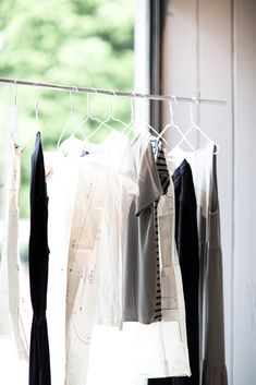 How to clear out your wardrobe | mediamarmalade | style tips
