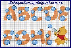 Boa sexta feira a todos!  Hoje temos mais um monograma coordenado com os lindos gráficos da fada Carina Cassol, hoje é a vez do ursinho Pooh...