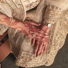 Tribal Henna Designs, Hena Designs, Latest Henna Designs, Arabic Henna Designs, Beautiful Henna Designs, Best Mehndi Designs, Simple Mehndi Designs, Henna Tattoo Designs, Mehndi Design Photos