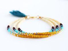 Multicolor Perlen Freundschaft Armband mit Quaste von feltlikepaper