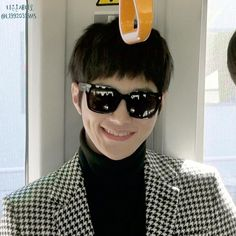 """141130 간사이공항 """"명수야~ 난 이렇게 환하게 웃고 있는 너의 모습이 그 무엇보다도 참 좋다!!♡♡"""""""
