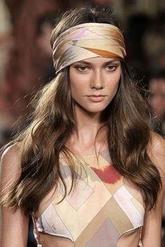Peinados de verano 2013 - 1 (© Todos los Derechos Reservados de Grupo Expansión, S.A. de C.V. Prohibida la reproducción total o parcial, incluyendo cualquier medio electrónico o magnético.)