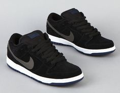 """Nike SB Dunk Low - Black/Midnight Fog-Navy-White - Now Available Dropping alongside the """"Vintage Green"""" Koston next month is another silhouette from Nike SB. These black suede Dunks sport a midnight fog leather Swoosh, w Skate Shoes, Men's Shoes, Nike Shoes, Sneakers Nike, Shoes Men, Nike Skateboarding, Nike Sb Dunks, Sneaker Magazine, Fresh Shoes"""