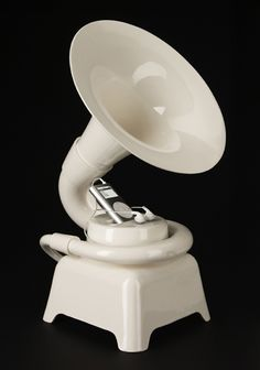 Ceramic IPod dock in the shape of a phonograph