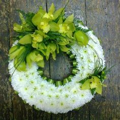 Wreaths and Posies Casket Flowers, Grave Flowers, Funeral Bouquet, Funeral Flowers, Modern Floral Arrangements, Funeral Flower Arrangements, Fresh Wreath, Funeral Sprays, Funeral Tributes