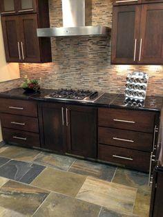 Nice 85 Gorgeous Kitchen Backsplash Decor with Dark Cabinets https://decorapartment.com/85-gorgeous-kitchen-backsplash-decor-dark-cabinets/