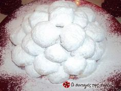 Great recipe for Kourabiedes by Akis. After the very successful melomakarona by Akis I thought that it would be good to publish his kourabiedes as well! Recipe by nanat Greek Sweets, Greek Desserts, Greek Recipes, Christmas Recipes For Kids, Christmas Sweets, Christmas Baking, Kids Christmas, Greek Cookies, Cake Cookies