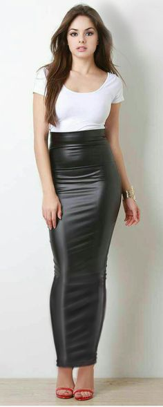 Long tight latex look hobble skirt Sexy Skirt, Dress Skirt, Maxi Dresses, Sexy Rock, Hobble Skirt, Latex, Leder Outfits, Beautiful Wedding Gowns, Tight Leggings
