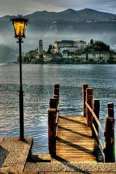 Vaya usted a saber dónde, pero asumo que ha de ser en algún recóndito lugar de Italia.