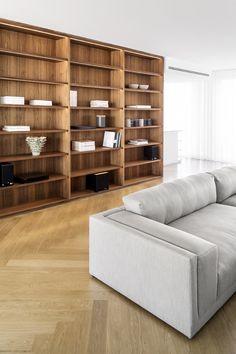 berlin - penthouse - living area - dining area - built-in - cabinet - drawer - library - herringbone - oak - floor - walnut-panell - elevator core - wohnung - wohnbereich - kamin - marmor - schwarz - weiß - fischgräte - eiche - sofa