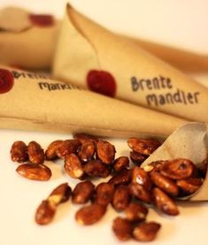 no: Brente mandler Edible Christmas Gifts, Christmas Goodies, Christmas Baking, Christmas Diy, Norway Christmas, Norwegian Christmas, Edible Crafts, Cookie Gifts, Holiday Dinner