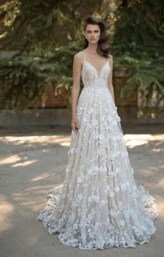 >>  3D-Floral Appliques Wedding ceremony Clothes,Lace wedding ceremony gown,Spaghetti straps wedding ceremony ...