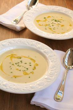 Sopa de batatas com alho poró