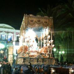 La Virgen de los Dolores sale del Huerto Ruano. #semanasantalorca Vegetable Garden