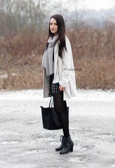 Classy elegance style ecru white coat style fashion skirt checkered skirt grey | OTIANNA